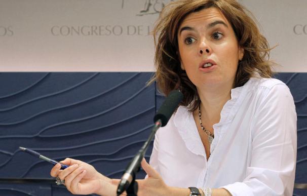 """Sáenz de Santamaría dice que en España se usa mucho """"la pena del telediario"""""""
