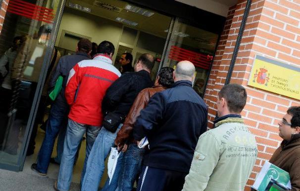El empleo debe subir 4 veces más en España que en la UE para anular la crisis