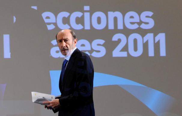 """El PP ve en Rubalcaba """"el rey del subsuelo y el paradigma de la decadencia"""""""