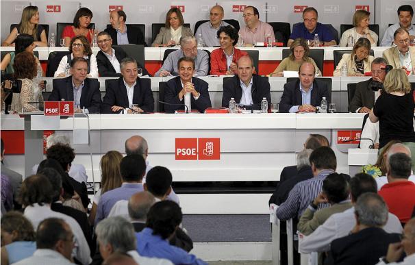 """Zapatero cree que Rubalcaba puede """"generar la confianza que necesita el PSOE"""""""