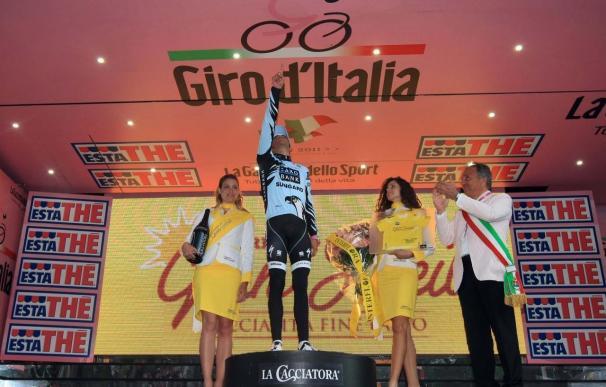 """Contador dedica la victoria a Tondo y cree que no """"hubo historia"""" para sus rivales"""