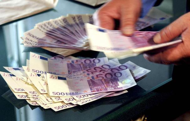 La UE limitará las primas a banqueros, pero sigue sin acuerdo en supervisión