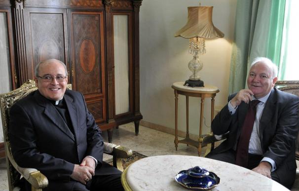 La Presidencia belga cree que Moratinos complementa en Cuba el trabajo de la UE