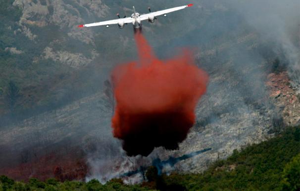 El primer gran incendio del verano en Francia quema 900 hectáreas de pinos