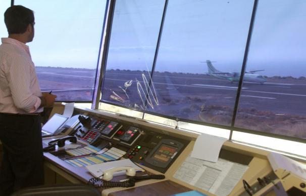La Gomera, el primer aeropuerto en emplear el sistema AFIS sin controladores
