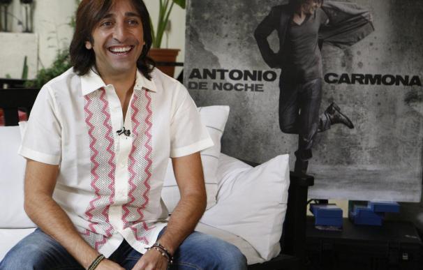 """El """"místico"""" Antonio Carmona cartografía sus sentimientos en """"De noche"""""""