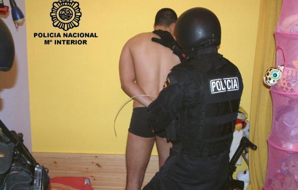 Los mossos detienen a 15 miembros de una banda que robaba coches de concesionarios