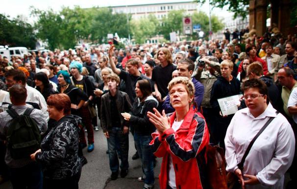 Cientos de manifestantes exigieron la dimisión del alcalde de Duisburgo