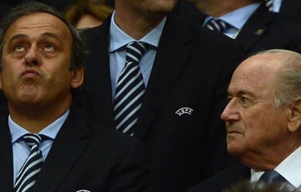 Platini y Blatter durante un congreso