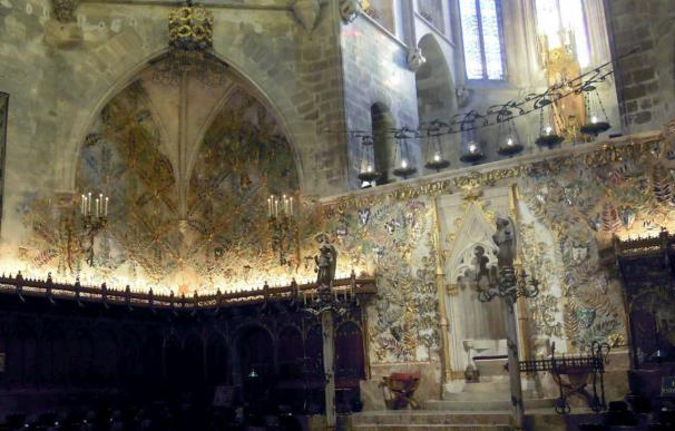 La Catedral de Mallorca recupera el gran mural colorista de Gaudí y Jujol
