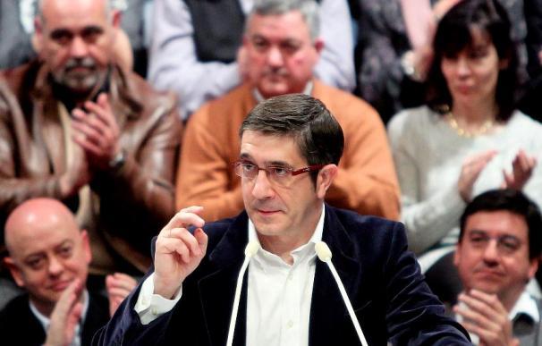 """El lehendakari afirma que los socialistas deben """"liderar la convivencia y la unidad en Euskadi"""""""