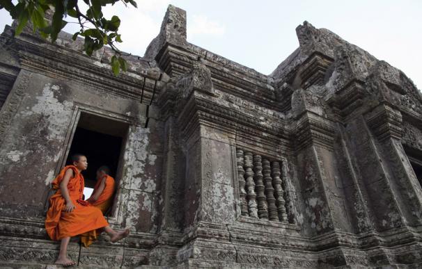 Entre 2009 y 2010 el número de líneas telefónicas móviles en Camboya se duplicó.