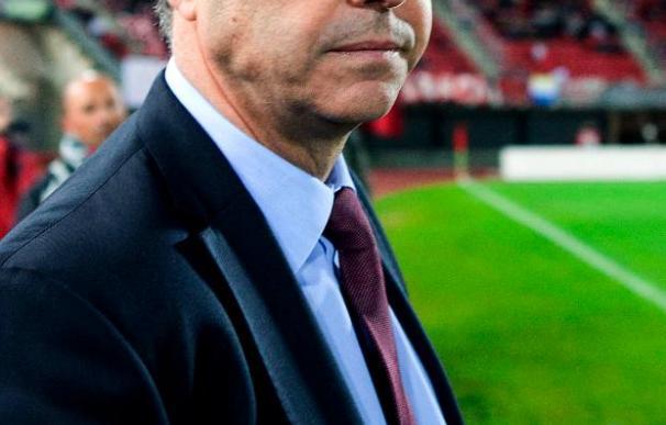 El técnico del Athletic prueba un centro de la defensa San José-Ekiza y sin Amorebieta