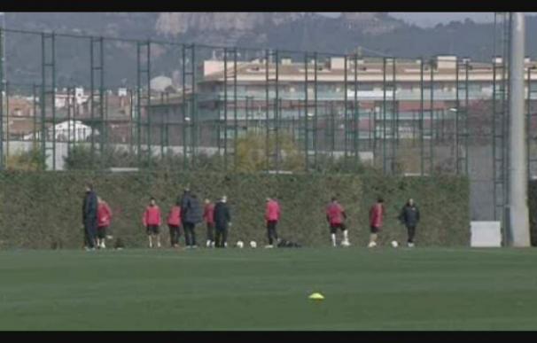 Messi se entrena con normalidad y Puyol y Jeffren hacen trabajo de campo