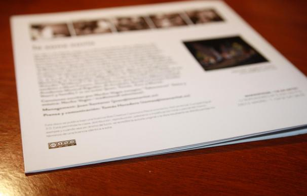 El disco 'La zona sucia' de Nacho Vegas, licenciado con Creative Commons, como indica el logo en los créditos.