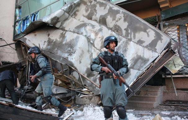 Un muerto y 23 heridos en un atentado suicida en el sur de Afganistán