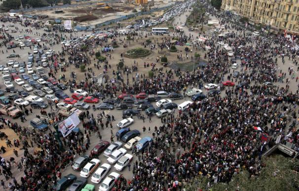 Detienen al exministro de Información egipcio y piden juicio penal contra otros