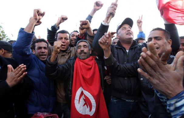 Unos cien muertos en la ciudad libia de Zauiya, cerca de la frontera tunecina