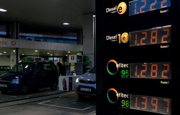 La gasolina vuelve a máximos históricos durante el conflicto de Libia