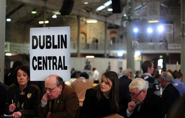 Los conservares irlandeses ganan las elecciones sin mayoría absoluta, según RTE