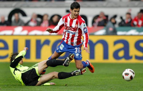 0-0. El Sporting desperdicia ocasiones y no pasa del empate ante el Zaragoza