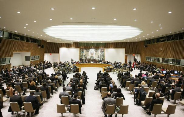 El Consejo de Seguridad de la ONU aprueba por unanimidad sanciones contra el régimen de Gadafi