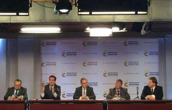 """El Gobierno recalca al ELN que el diálogo se mantendrá """"en medio del conflicto"""""""