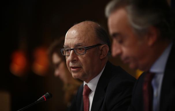 """Montoro dice que """"no ha habido ocultación en absoluto"""" sobre el incumplimiento del déficit en 2015"""