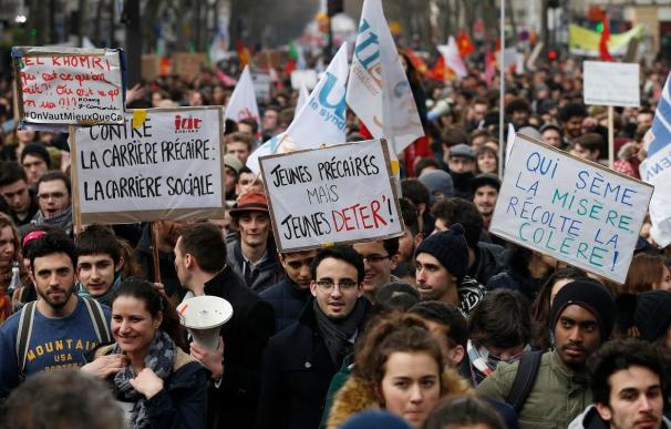Parecidos y diferencias entre la reforma laboral de Rajoy y Valls