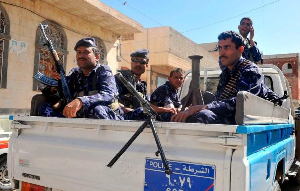 Se entregan en Yemen 15 presuntos miembros de Al Qaeda