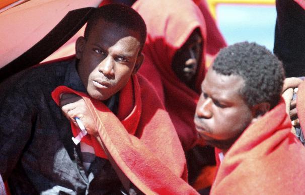 Interceptadas en el Estrecho de Gibraltar dos pateras con 21 inmigrantes