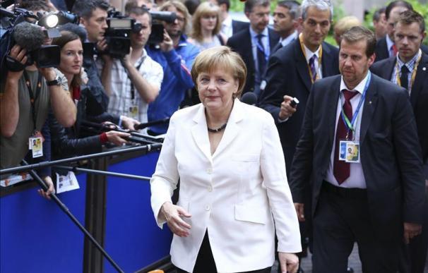 """Merkel asegura que no habrá """"troika"""" para España e Italia por los acuerdos de la eurozona"""