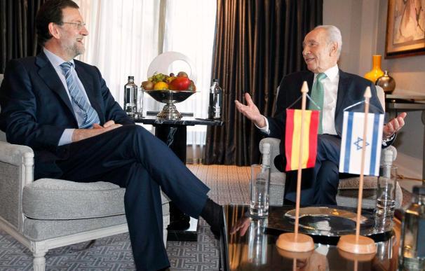 """Peres y Rajoy ven en las revueltas árabes una """"oportunidad"""" para la paz"""
