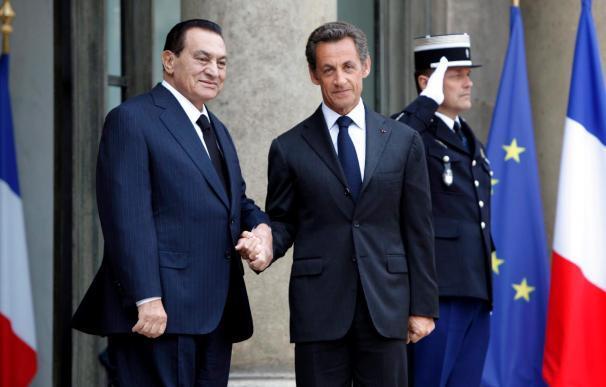 Francia autoriza a congelar los activos de Mubarak y de sus familiares
