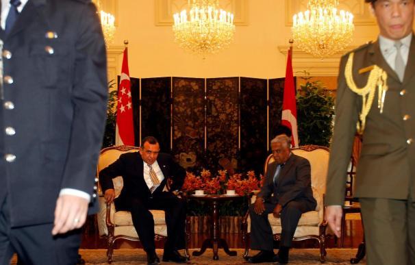 El presidente de Honduras en visita oficial a Singapur para captar inversión