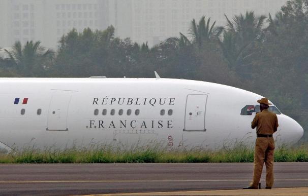 Francia va a seguir enviando aviones a Libia para repatriar a sus ciudadanos