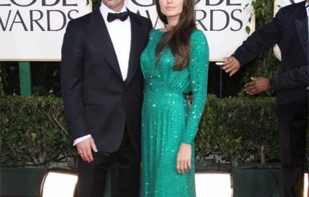 Angelina Jolie regala a Brad Pitt un colgante con mensaje de amor