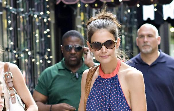 Katie Holmes vende más ropa desde que se divorció de Tom Cruise