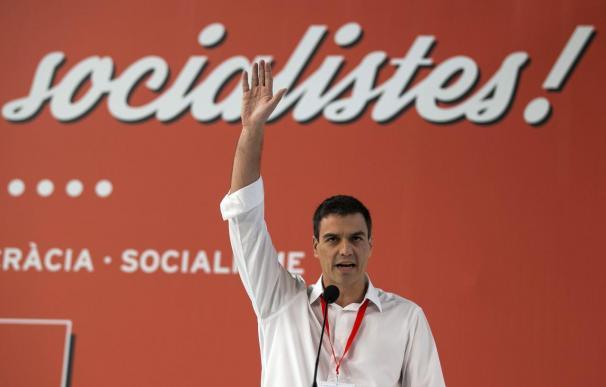 Pedro Sánchez baraja rodearse de referentes y caras nuevas y se cita con Rajoy