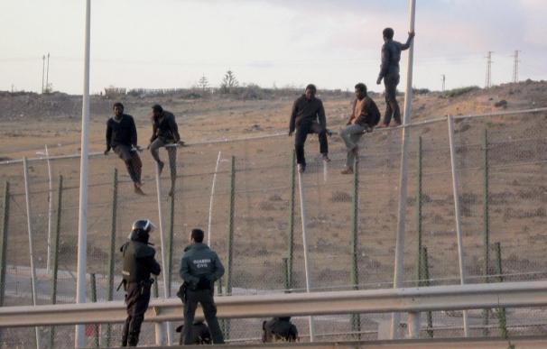 "La malla antitrepa ha sido ""crucial"" para evitar el salto masivo en Melilla"