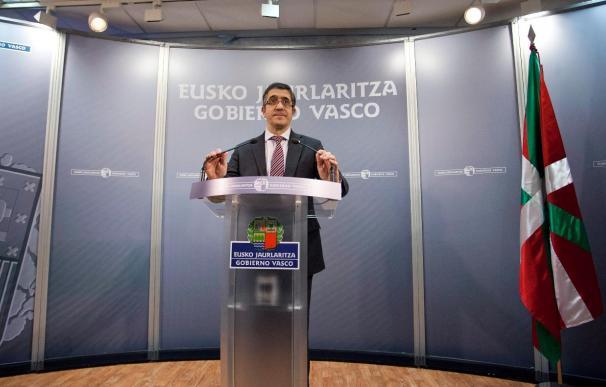 El lehendakari llama a la ciudadanía a mantener la exigencia frente a ETA
