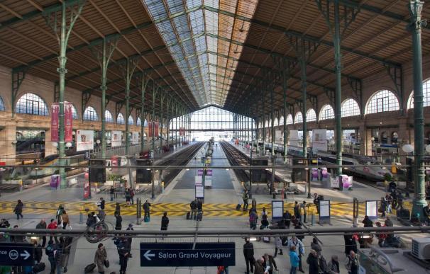 Los incidentes estudiantiles protagonizan el comienzo del paro en Francia
