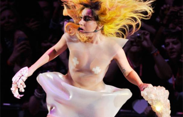 Lady Gaga defiende su excentricidad