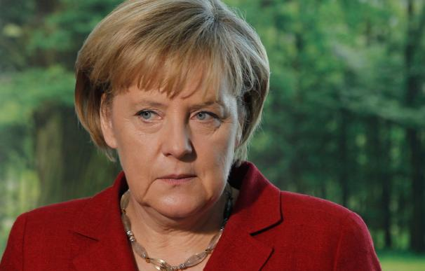 La canciller alemana ha perdido influencia en el primer año de su segundo mandato y ha empezado a cambiar su estrategia.