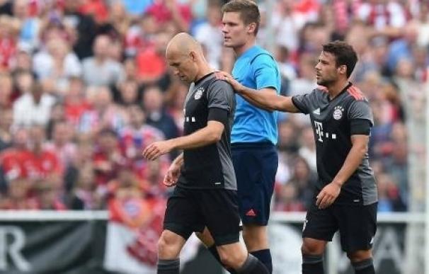 Robben se retira lesionado en el debut de Ancelotti