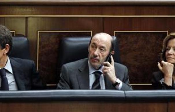 España inicia la reforma bancaria para fortalecer la solvencia