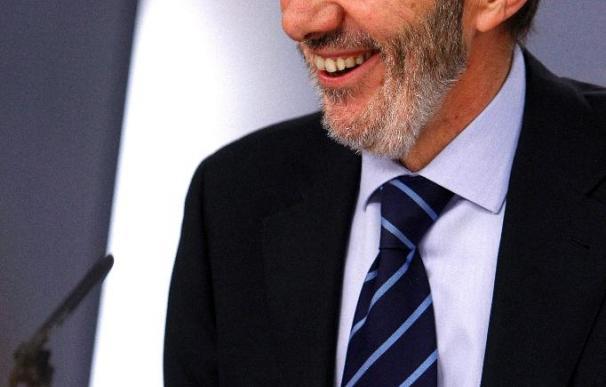 Pérez Rubalcaba dice que España resolverá sus retos como ha hecho hasta ahora