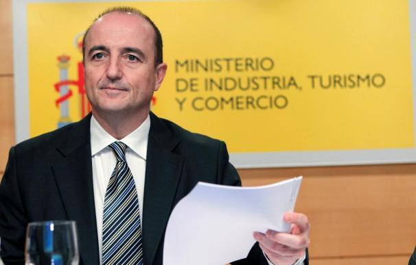 Sebastián dice que el Gobierno no es antinuclear, pero los coches funcionan con gasolina