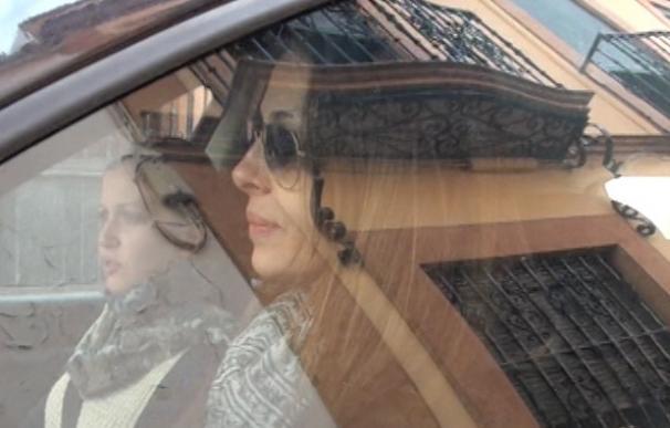 Eva González, refugiada en su familia tras su ruptura con Cayetano