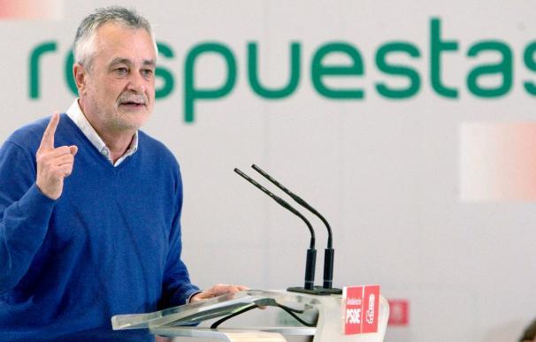 """Griñán dice que el debate de la sucesión """"deshilacha"""" al partido"""